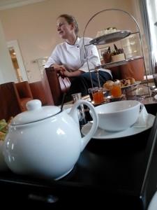 Frau Kausch, Chef- Patissière im Grandhotel